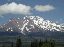 mt-shasta-from-weed3