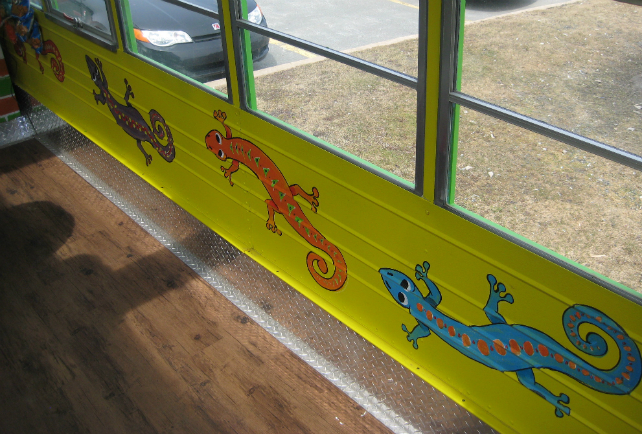 Gecko Bus - Inside Decorations