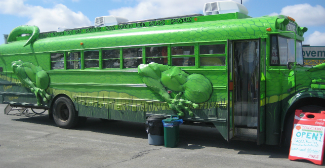 Gecko Bus - Side View