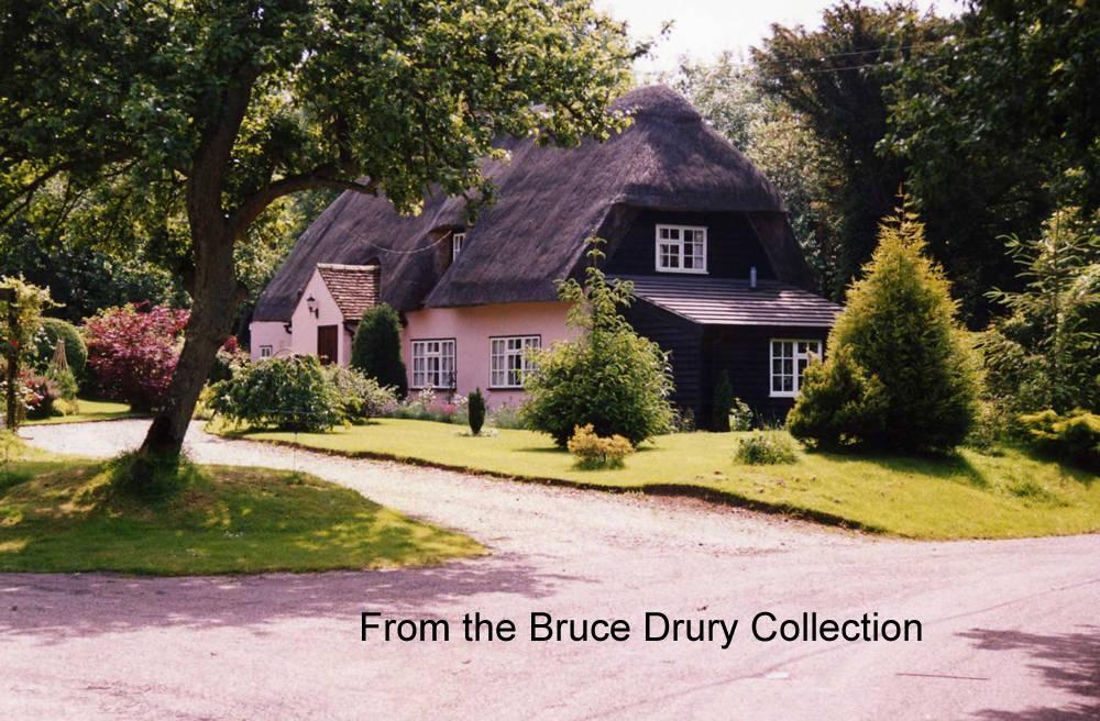 chrishall yew cottage 1988