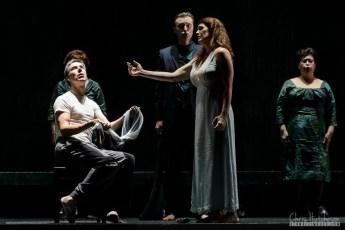 Phillip Addis, Krisztina Szabó & Chorus