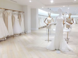 Kleinfeld Bridal Boutique Canada Hudson's Bay Christopher Luk Photography 2014 Wedding Dress Mannequin Oscar de La Renta Display Say Yes To The Dress Downtown Toronto