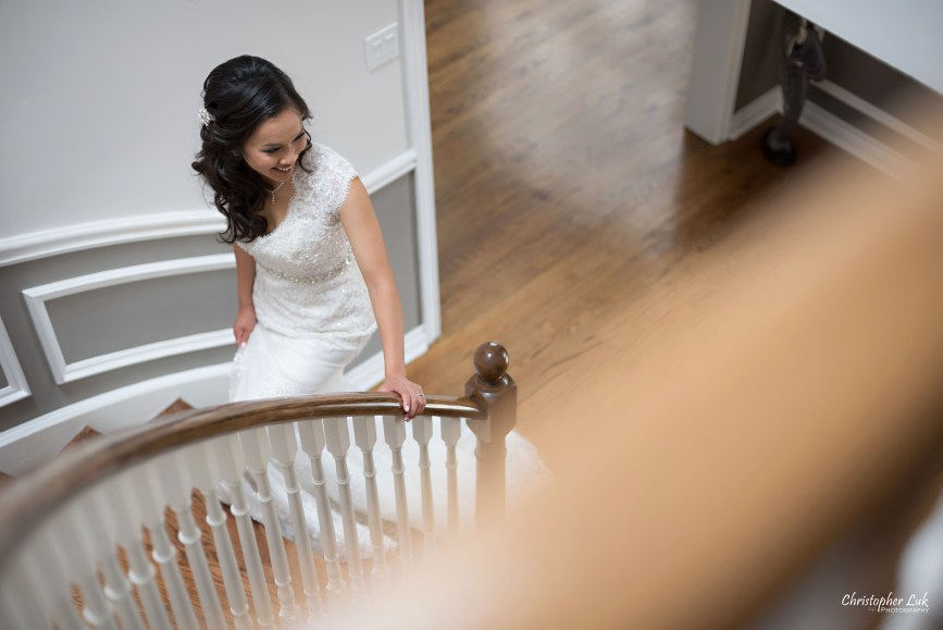Christopher Luk Toronto Wedding Portrait Lifestyle Event Photographer - Eagles Nest Golf Club Outdoor Ceremony Toronto Raptors Blue Jays Sports Fans Natural Candid Photojournalistic Bride Staircase Stairs