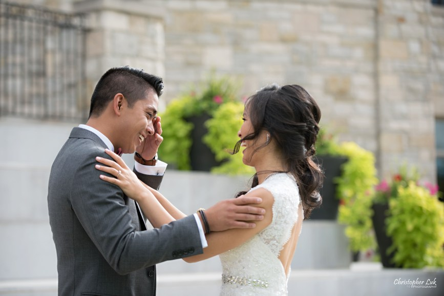 Christopher Luk Toronto Wedding Portrait Lifestyle Event Photographer - Eagles Nest Golf Club Outdoor Ceremony Toronto Raptors Blue Jays Sports Fans Candid Natural Photojournalistic Bride Groom First Look Reveal Emotional Smile Cry Tears of Joy Wipe