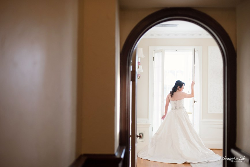 Toronto Wedding Photographer Heintzman House Winter Wedding Markham York Region Historic Estate Event Venue Photojournalistic Documentary Candid Natural Creative Portrait Session Bride Bridal Boudoir Arch Door Frame