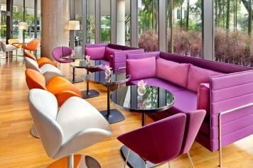 Interior-Photography-Holiday-Inn-Atrium-Hotel-Singapore-Bar-Cafe