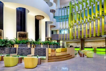 Interior-Photography-Holiday-Inn-Atrium-Hotel-Singapore-Hotel-Lobby