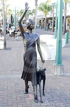 street-sculpture-art-deco