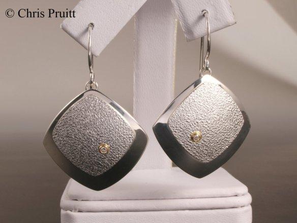 11-earring sqr3