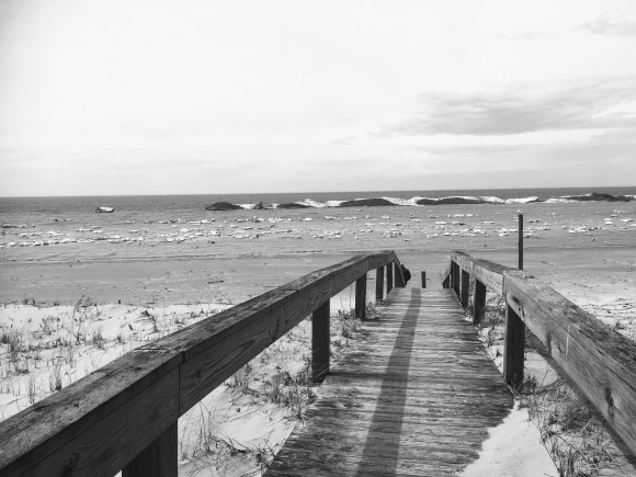 Breaking Bergs in Black and White