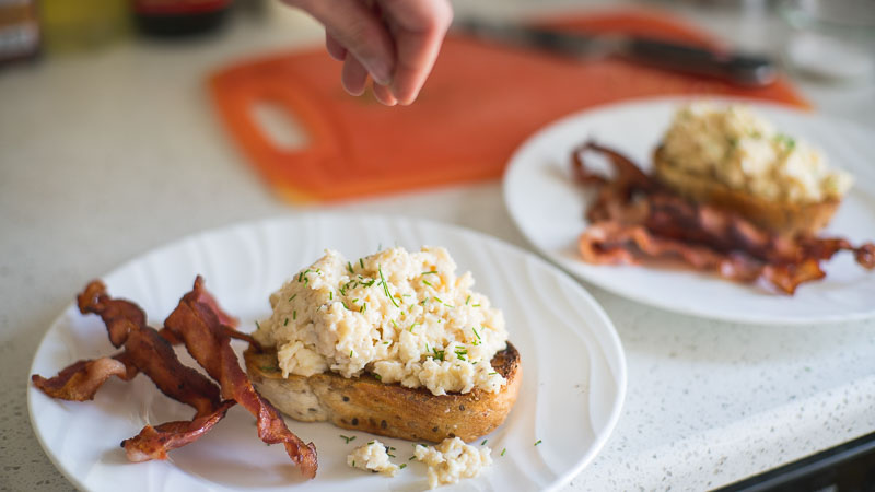 edmonton scrambled eggs recipe