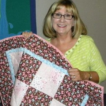 Barbara Kimball with Prayer Quilt016 640x480