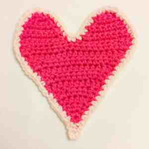 crochet heart gift card holder