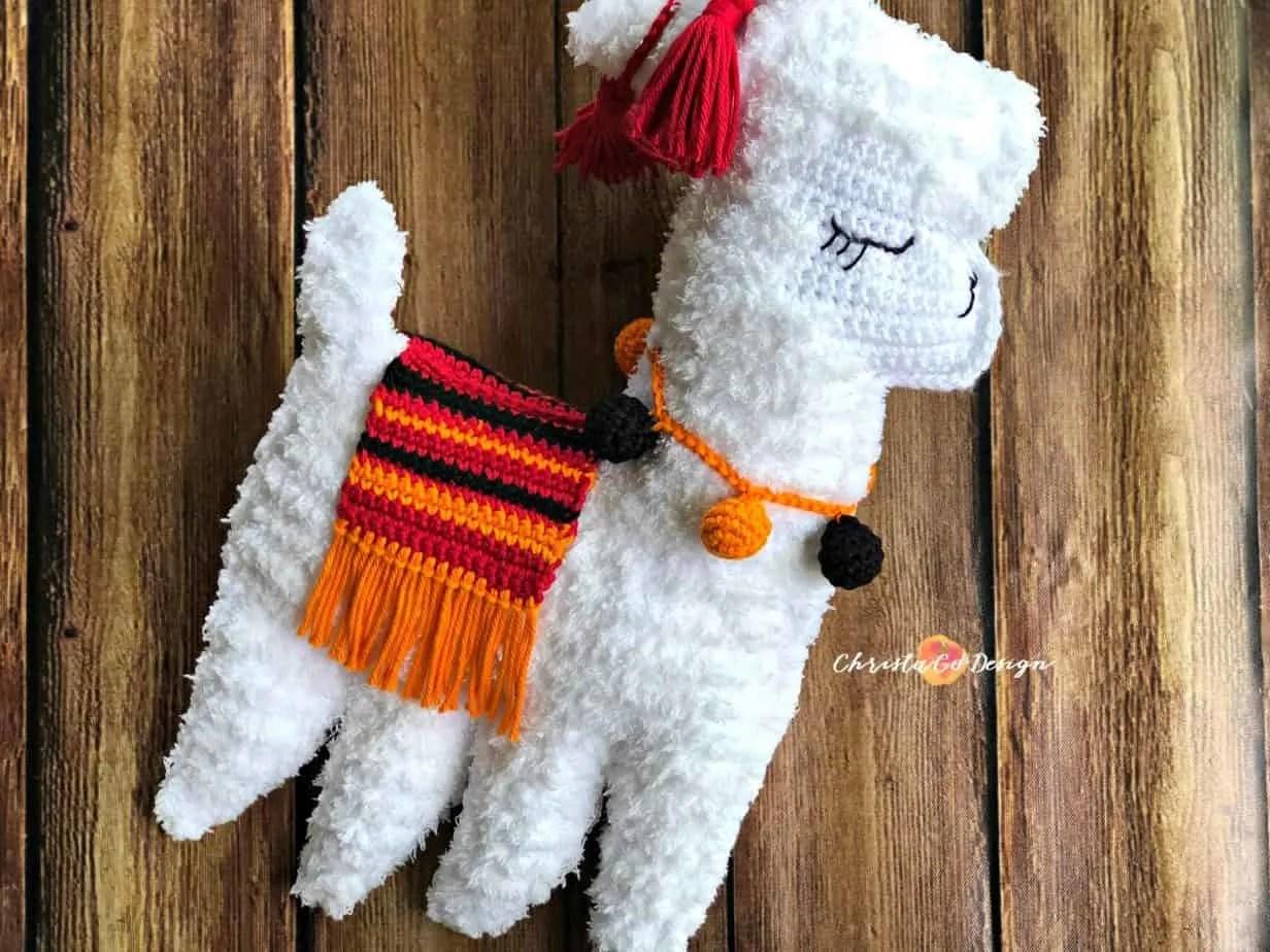 Crochet Llama Plus Tips for Crocheting with Fuzzy Yarn