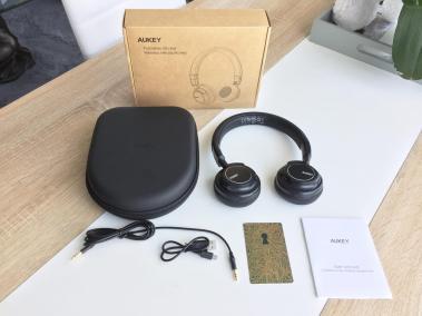 image test du casque bluetooth et pliable d'aukey avec microphone intégré 2