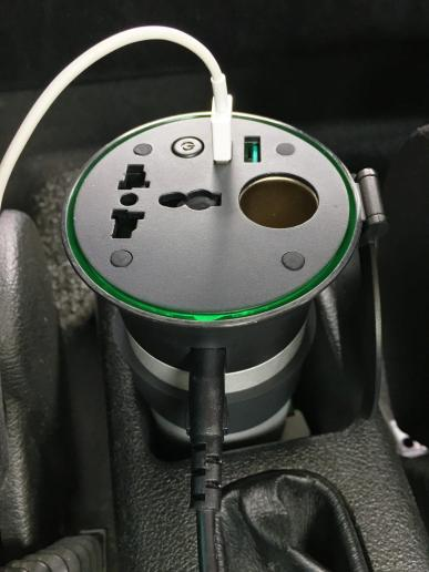 image test onduleur Aukey 200 w, dc 12 v à ac 230 v avec 2 ports usb pour voiture 7