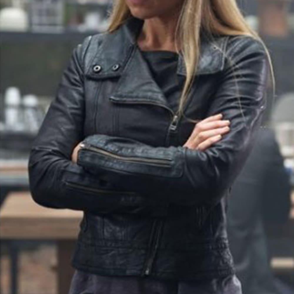 image Look de Olivia Dunham dans la série Fringe 5