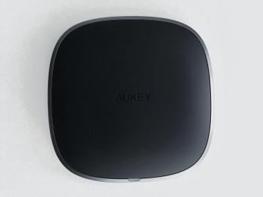 image test du chargeur sans fil par induction compatibles Qi en graphite d'Aukey 3