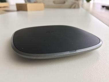 image test du chargeur sans fil par induction compatibles Qi en graphite d'Aukey 5