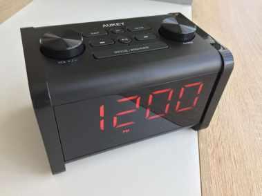 image Test du radioréveil Aukey avec enceinte Bluetooth et minuterie de sommeil 8