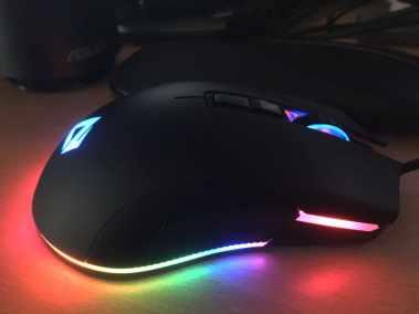 image Test de la souris gamer Aukey, 5000 DPI, RGB 16,8 Millions de Couleur, 6 Boutons programmables. 10