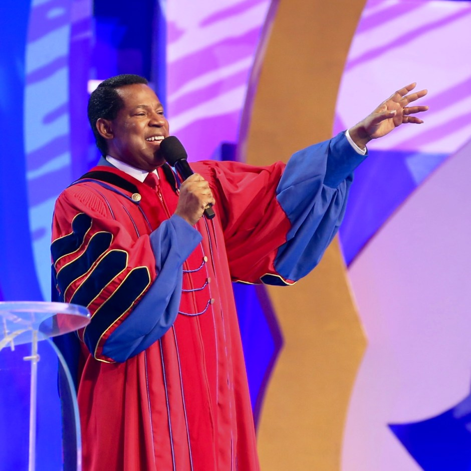 Pastor Chris and LoveWorld Music All-Stars Wish You a 'Happy New Year'!