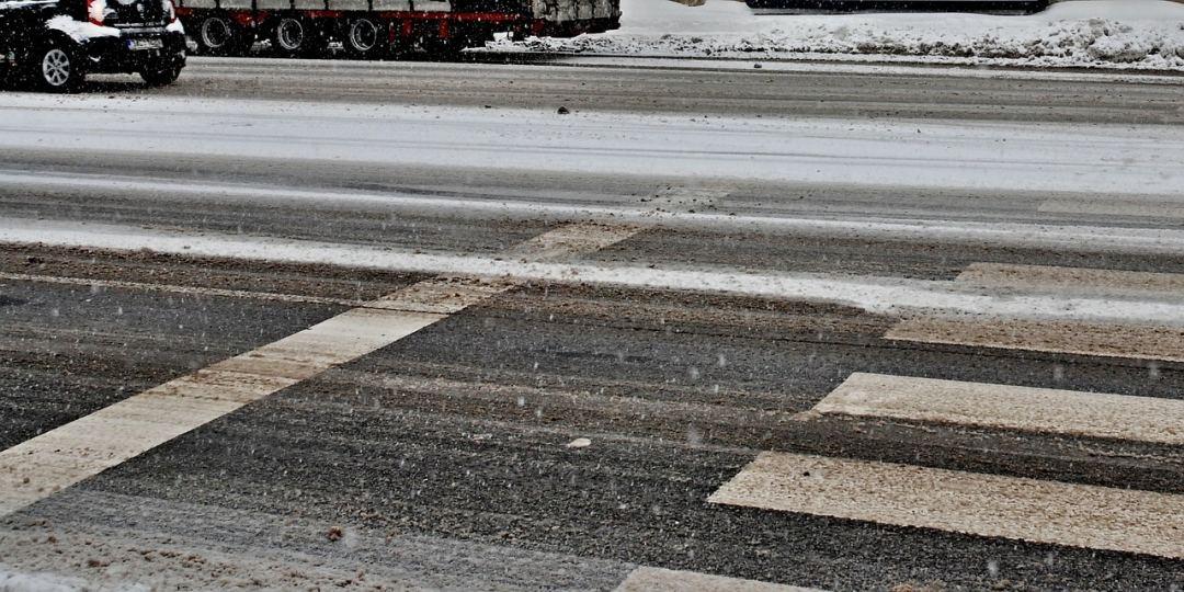 winter pedestrian safety on ice