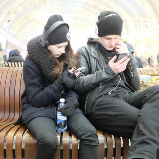 Väntande på Stockholms centralstation