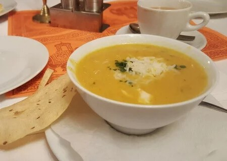 Linsensuppe im Royal India Restaurant in Cadolzburg