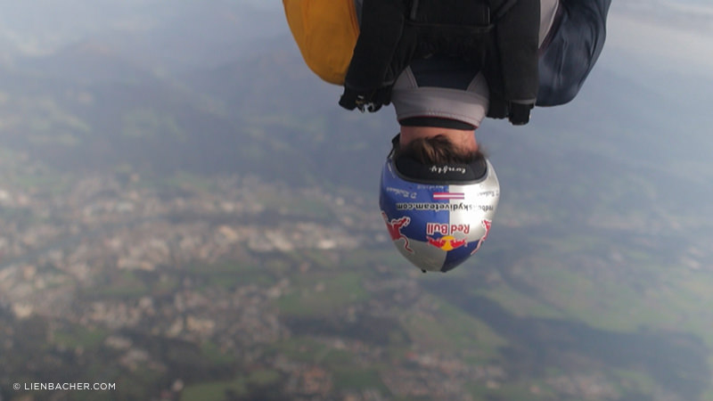 7DmkII meets Red Bull Skydiveteam