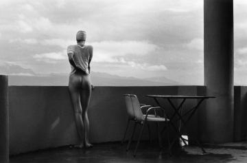 Christian Coigny photography Women outside