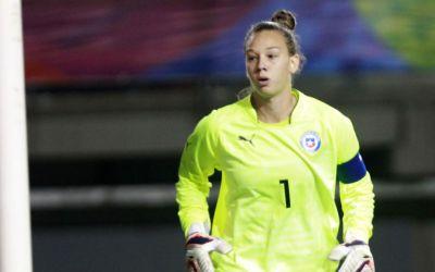 Christiane Endler: «No hay respeto hacia el fútbol femenino en Chile»
