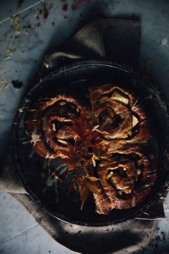 spiced-autumn-cinnamon-rolls-photography-styling-recipe-by-christiann-koepke-of-christiannkoepke-com-18