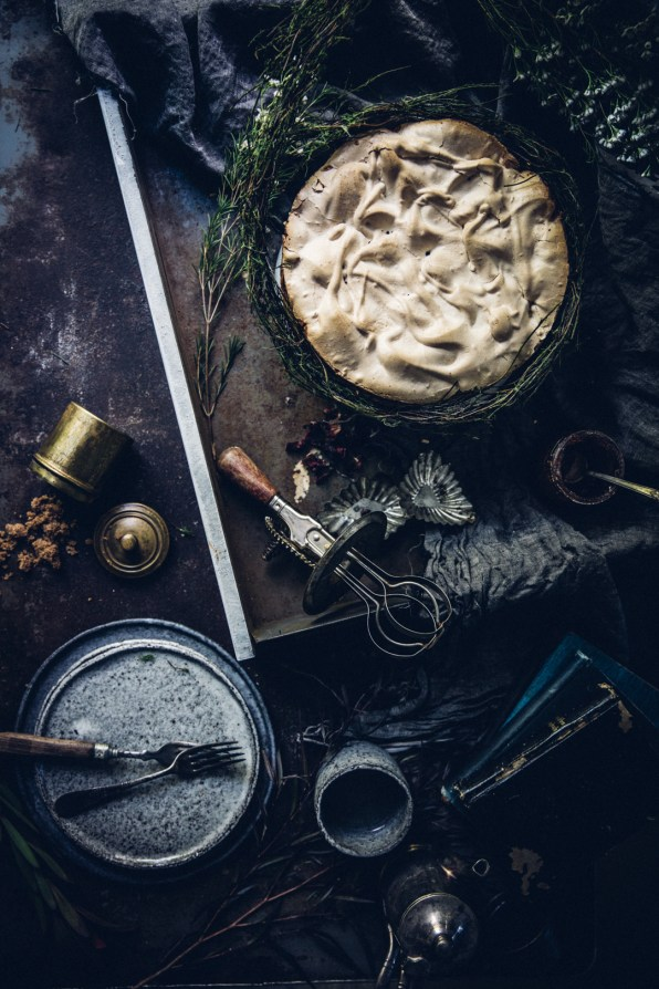 winter-nordic-cake-with-a-rhubarb-black-current-rose-jam-photography-styling-by-christiannkoepke-com