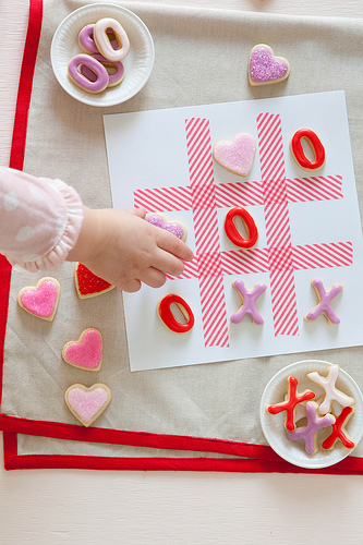 Valentines day tic tac toe cookies