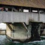 Hochwasser unter der Spreuerbrücke