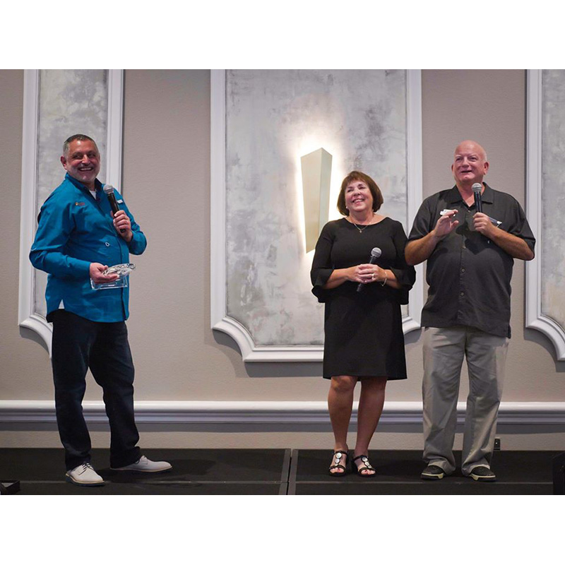 Stadia Honors Tom, Debbie Jones with Award Named for Them (Plus News Briefs)