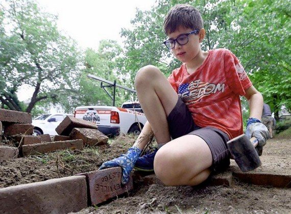 Restoring the Neighborhood—and Lives—from the Sidewalk Up (Plus News Briefs)