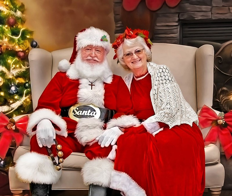 Retired Ministry Couple Continues to Share Jesus as Mr. and Mrs. Claus