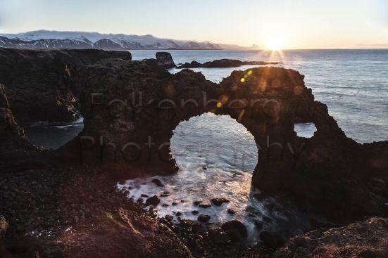 Europa, Island, Halbinsel, Snaefellsnes, Felsentor bei Arnarstapi