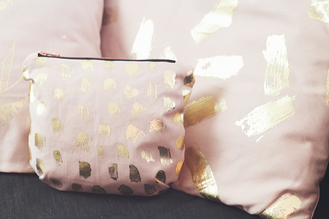 Goldfolie-Kissen-und-Tasche1-klein