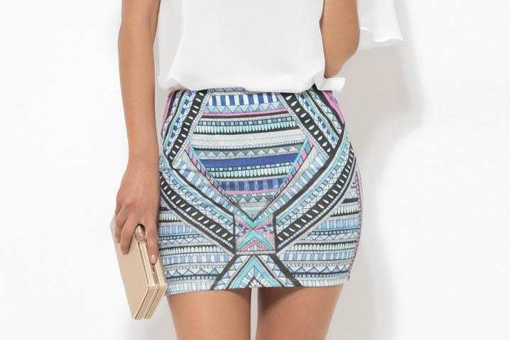 falda-corta-mujer-de-punto-estampado-etnico-118177az099313ñ