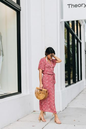WANDERLUST-MIDI-DRESS-The-Perfect-Beach-to-Dinner-Look-The-Girl-From-Panama-MINKPINK-5