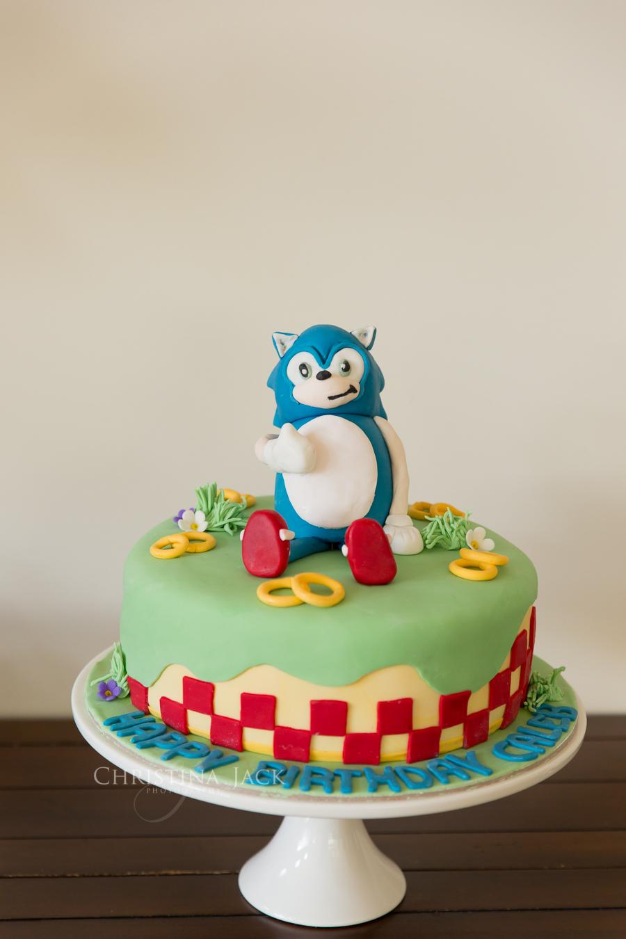 A Special Boy S Sonic The Hedgehog Cake Christina Jack Photography