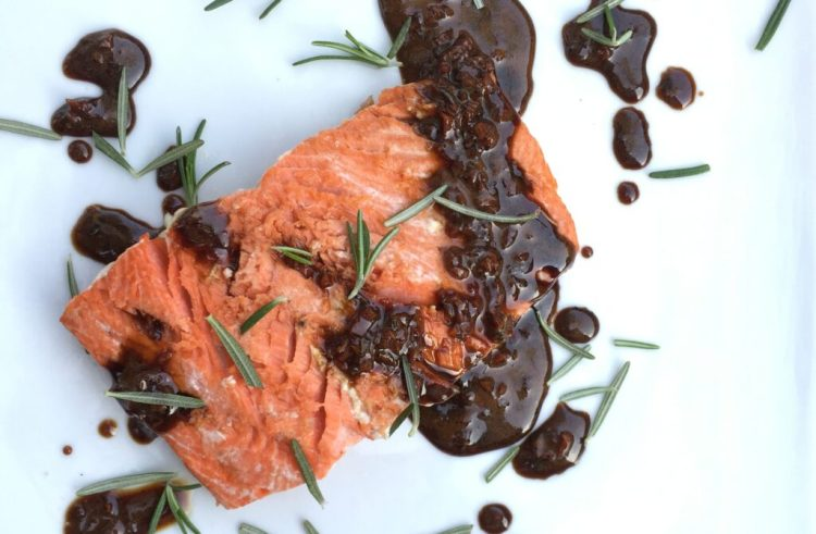 balsamic-glazed salmon filets