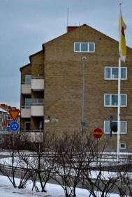 Flerbostadshus i gult tegel /Apartment building in yellow brick
