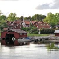 Sammanfattning: Röda hus / Red houses