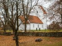 Hörja church was built in the thirteenth century.