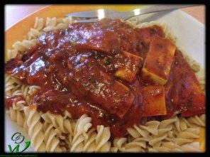 Tofufilets-in-Tomaten-Sahnesauce-mit-Nudeln