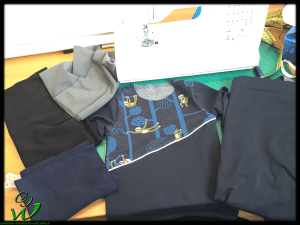 LEO-Shirt-blau-Bündchen-Frage
